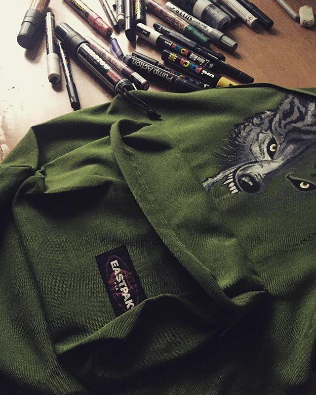 257cf821f296 Eastpak DIY. Customized backpack by - ewoart ( sewoart) on Instagram   graffiti…