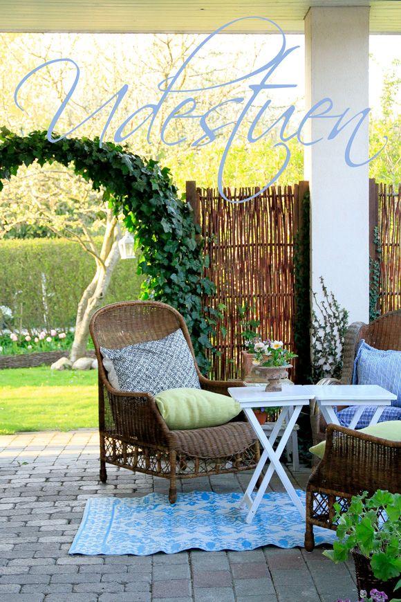 I haven hos Evigglade ♥: Udestuen er åben - for sommeren