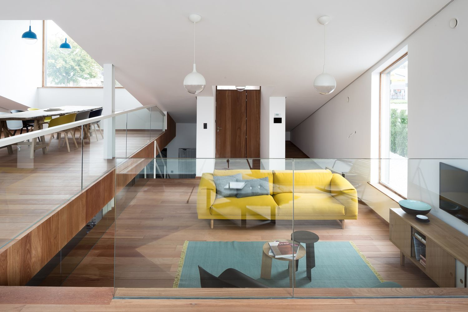 Best Gallery Of House Pibo Oyo 13 House And Home Magazine 640 x 480