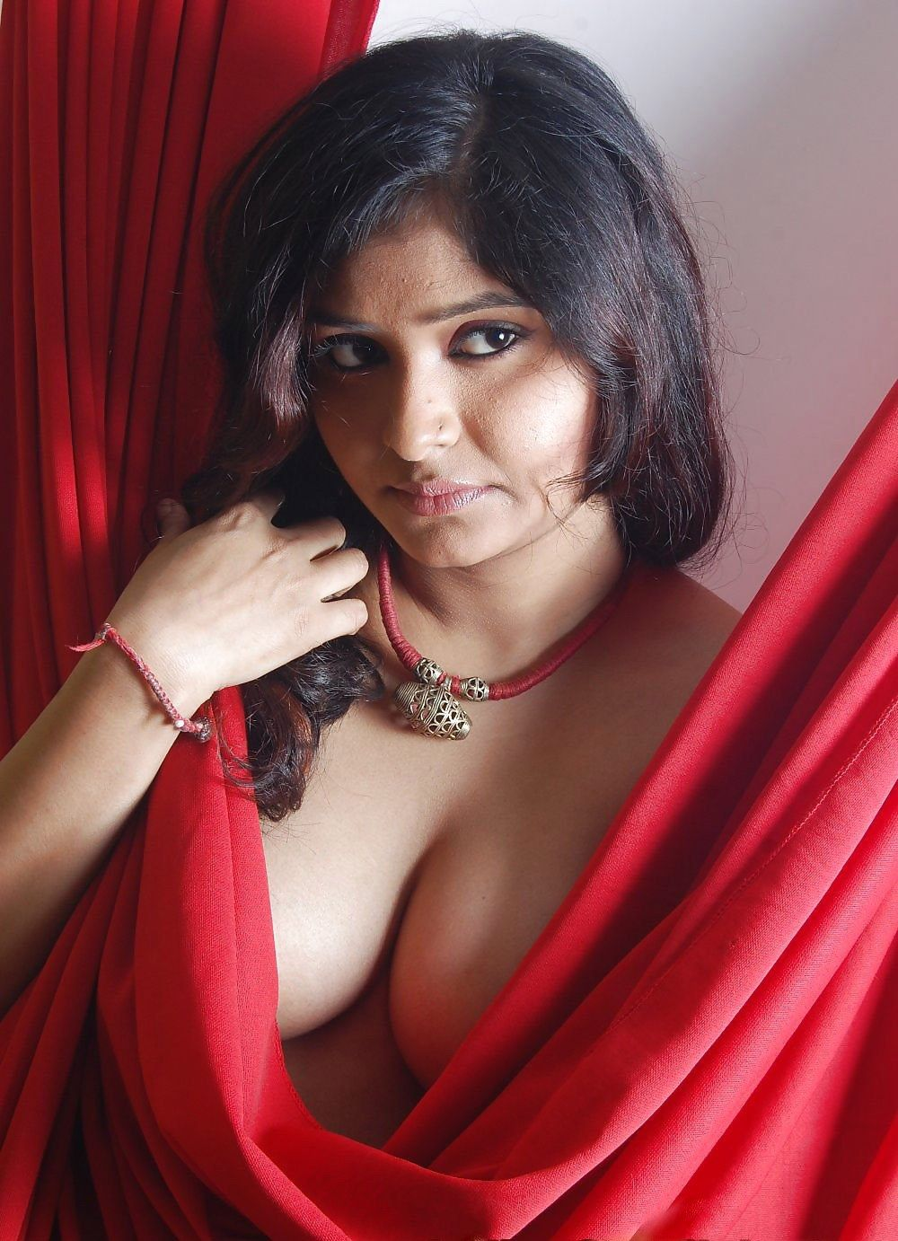 Pune escorts girl are calling you on her bed 10