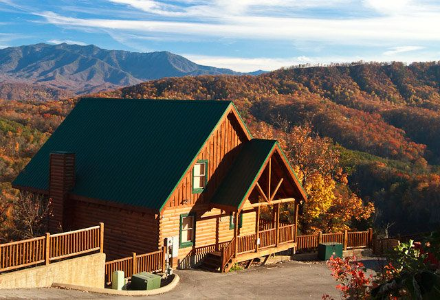 Monte Cristo Is A Premium Luxury Cabin Located Between Pigeon Forge And Gatlinburg TN At You Are In The Middle Of Everything