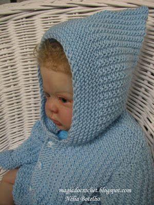 fb84799477176 Magia do Crochet  Casaco em tricot com capuz para bebé