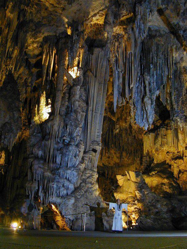 Cuevas De Nerja Málaga Camping En España Nerja Lugares De España