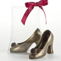 An Adorable Chocolate Shoe That Makes The Perfect Gift Or Favor For Weddings Showers