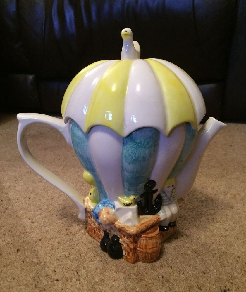 Lovely Swineside Collectable teapot in the shape of a hot