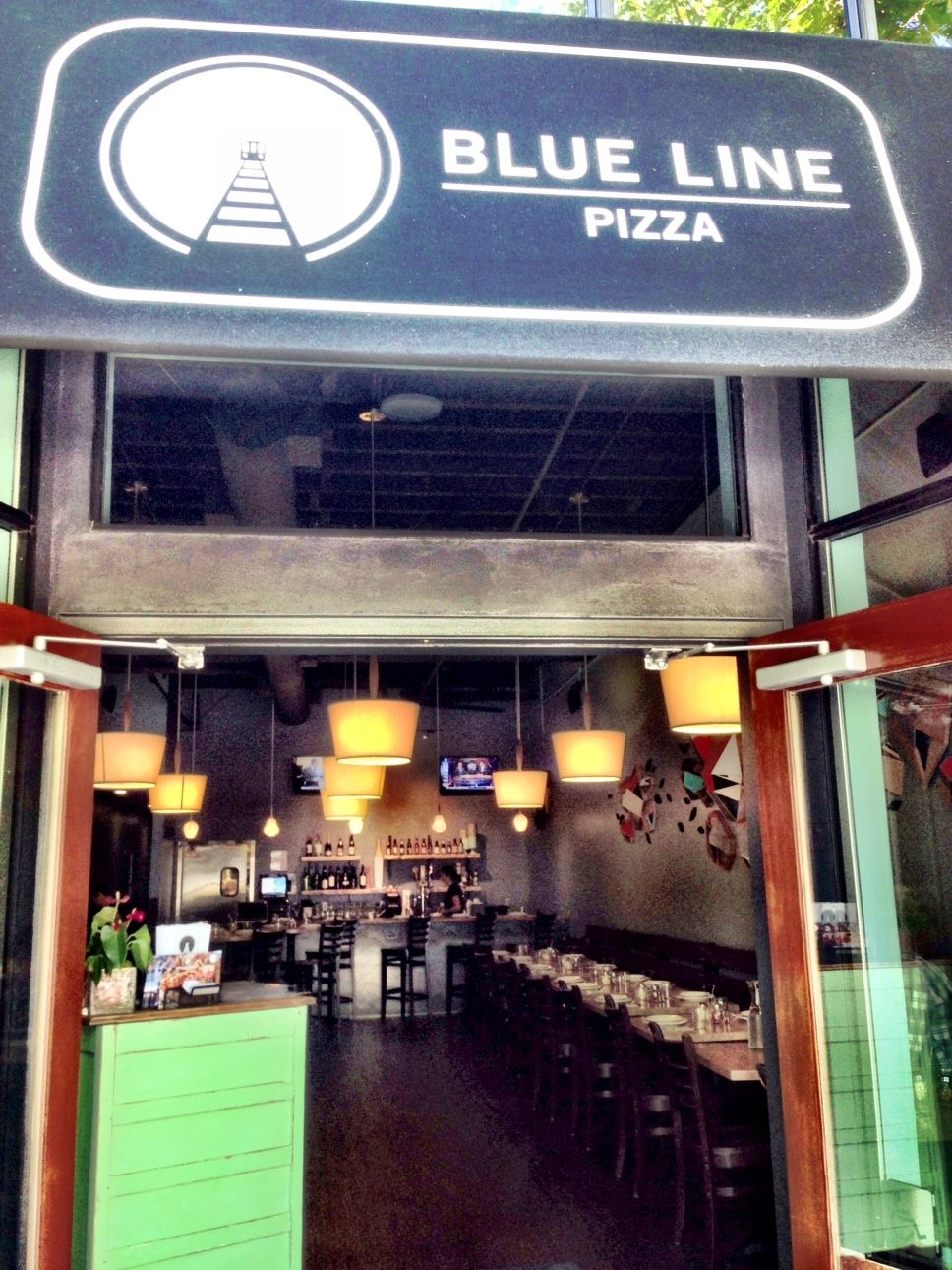Restaurants Our Mountain View Location Come On In Or Order Online At Www Bluelinepizza