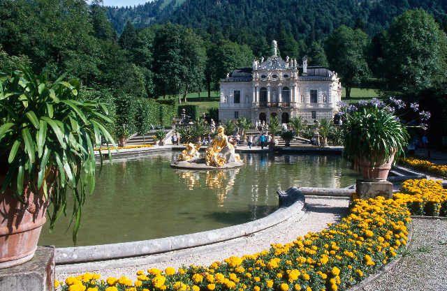 Bschlosspark Park Garten Konig Ludwig Ii Linderhof Bei Oberammergau Schloss Linderhof Jetzt Bestellen Auf Kunst Fue Places To Travel Castle Favorite Places