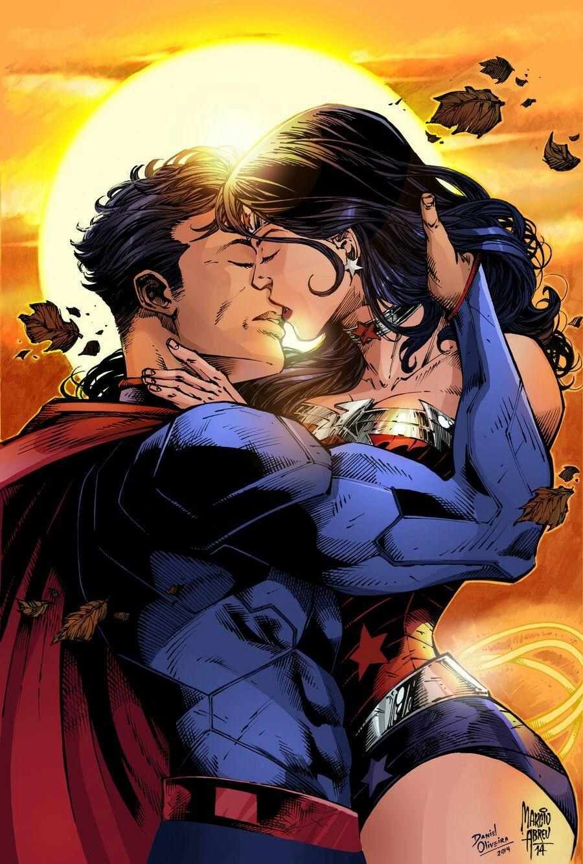 The super kiss Superman and Wonder Woman | MARY KAY | Pinterest ...