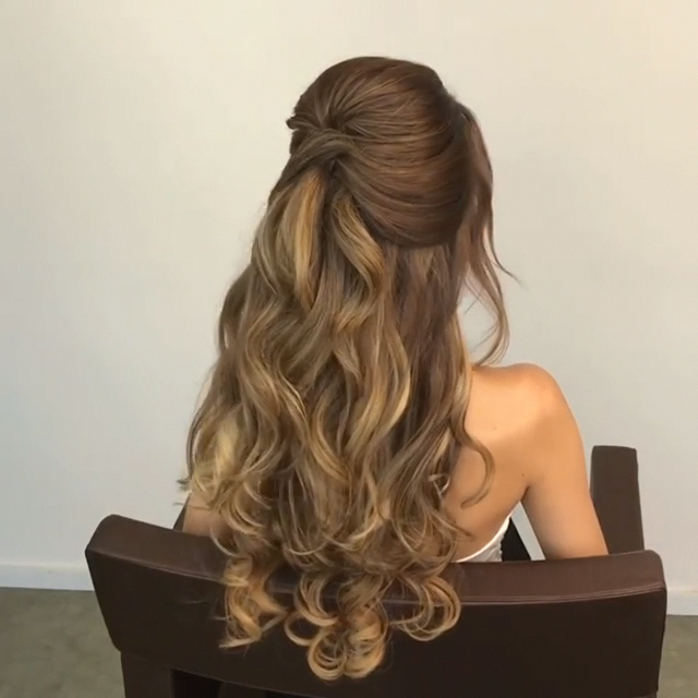Do You Wanna Learn How To Styling Your Own Hair Well Just Visit Our Web Site To Seeing More Amazing Video Tutorial Long Hair Styles Hair Styles Hair Upstyles