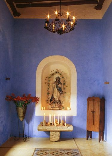 Beautiful chapel.... I want a room like this in my home..... <3 ...