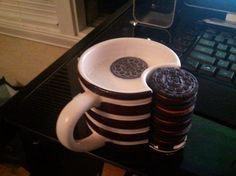 Oreo Mug With Cookie Holder This Is So Perfect For Me A Little Your Milk Mugs Cool Inventions Food
