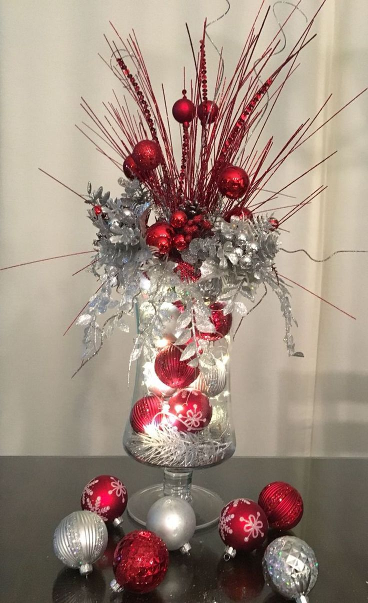 35 Simple Beautiful Christmas Centerpieces Ideas That Every People Could Make Itself 35 Simple Beautiful Christmas Centerpieces Ideas That Every People Could Make Itself
