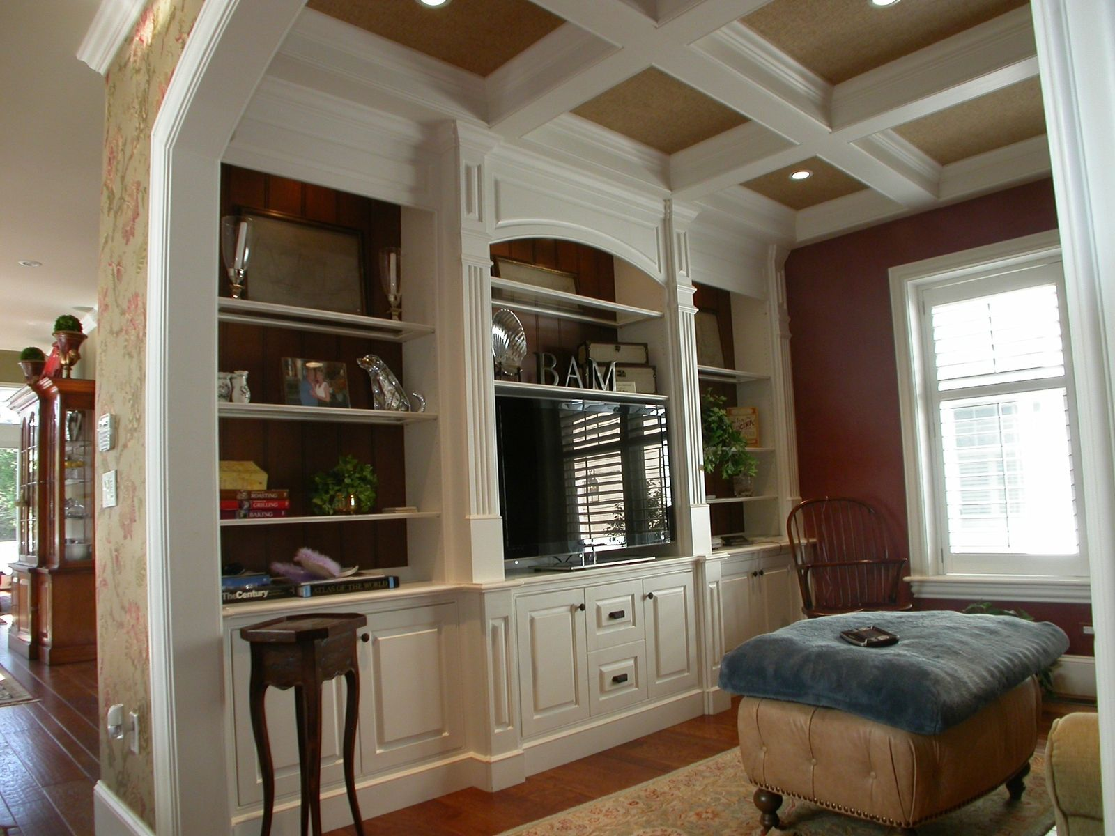 Just the white cabinetry, not the colours and decor etc. Full wall ...