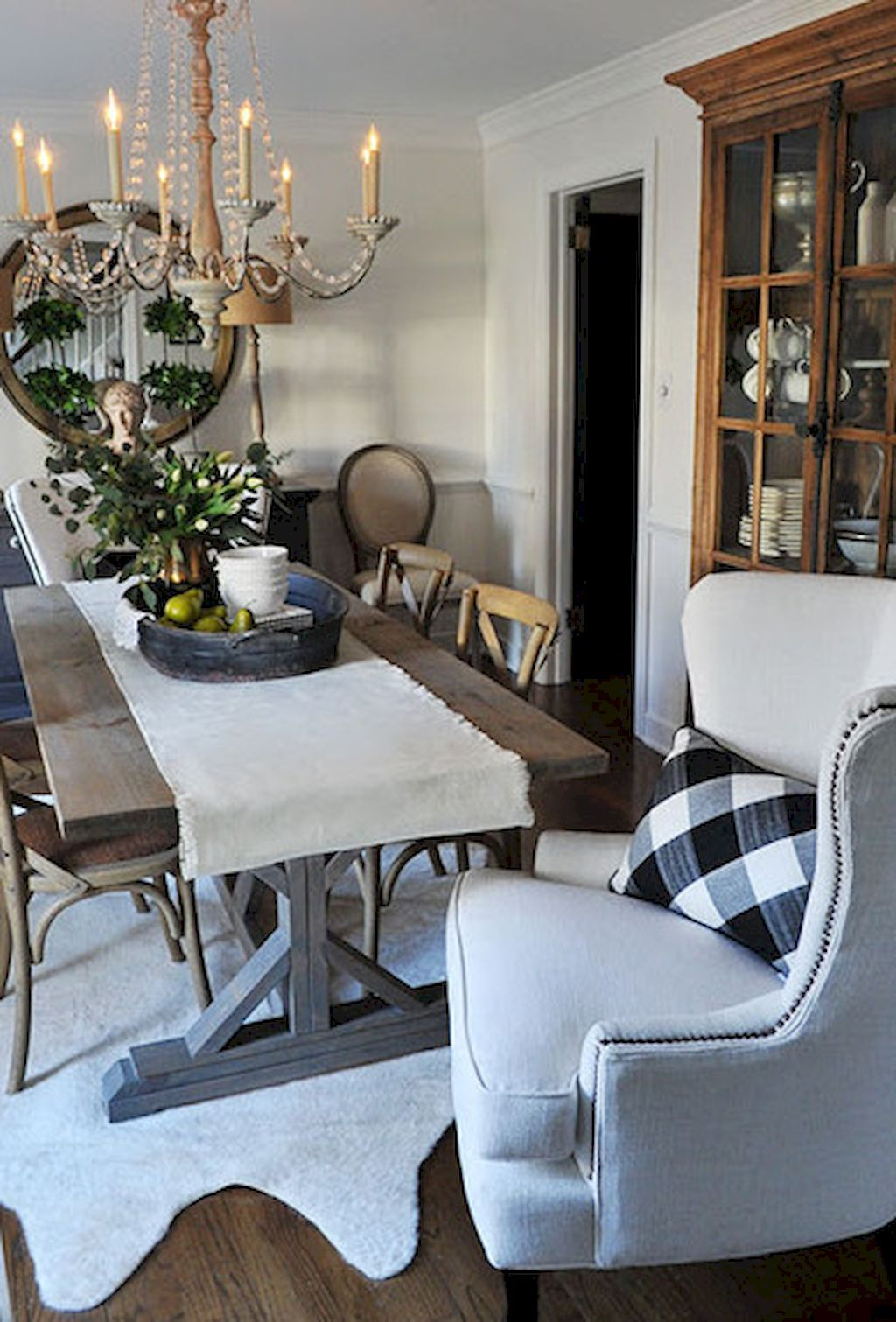 Fancy French Country Dining Room Table Decor Ideas 27 French