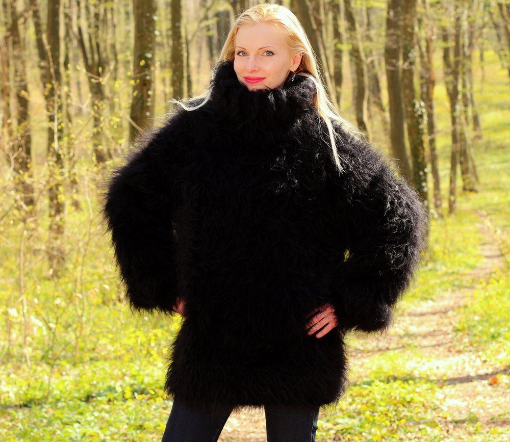 BLACK Hand Knitted Mohair Sweater Fuzzy Handgestrickt Wolle