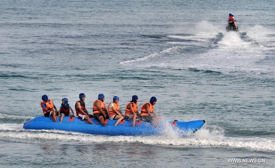 Go banana boating