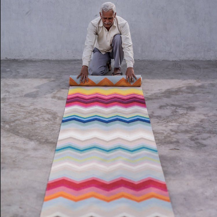 Our artisan finishing off the Chevron Multi runner. Over 50 colours to choose from. #armadilloandco #designercollection #chevronmulti #wool #colour #handmade #fairtrade