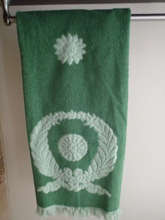 Vintage bath towel. One beautiful soft green and dark green reverse woven Cannon Cavalier vintage fringed towel