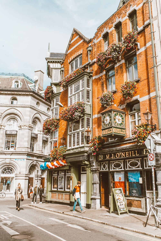 British Isles Travel Diary & What To Pack!   LivvyLand #britishisles