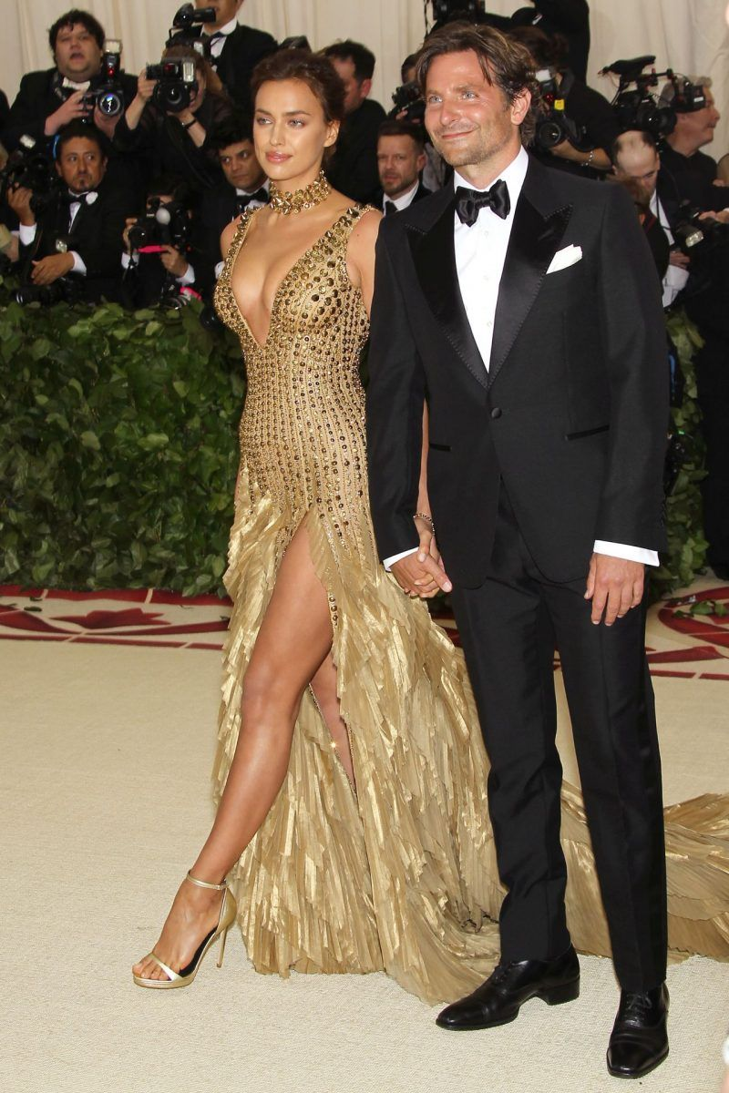 The Met Costume Institute Gala 2018 Heavenly Bodies Fashion And The Catholic Imagination Fab Fashion Fix Fashion Event Dresses Gala Outfit