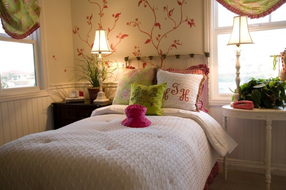 Ethnic Bedroom Decor Ideas with Flower Wallpaper