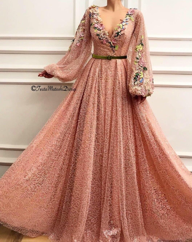 Pin von Alexa💕 auf Dresses  Feine kleider, Elegante ballkleider