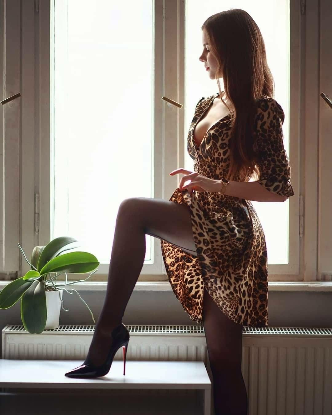 0ca3d7a9f5674 Discover ideas about Nice Legs. February 2019. beautiful girls in tightdress