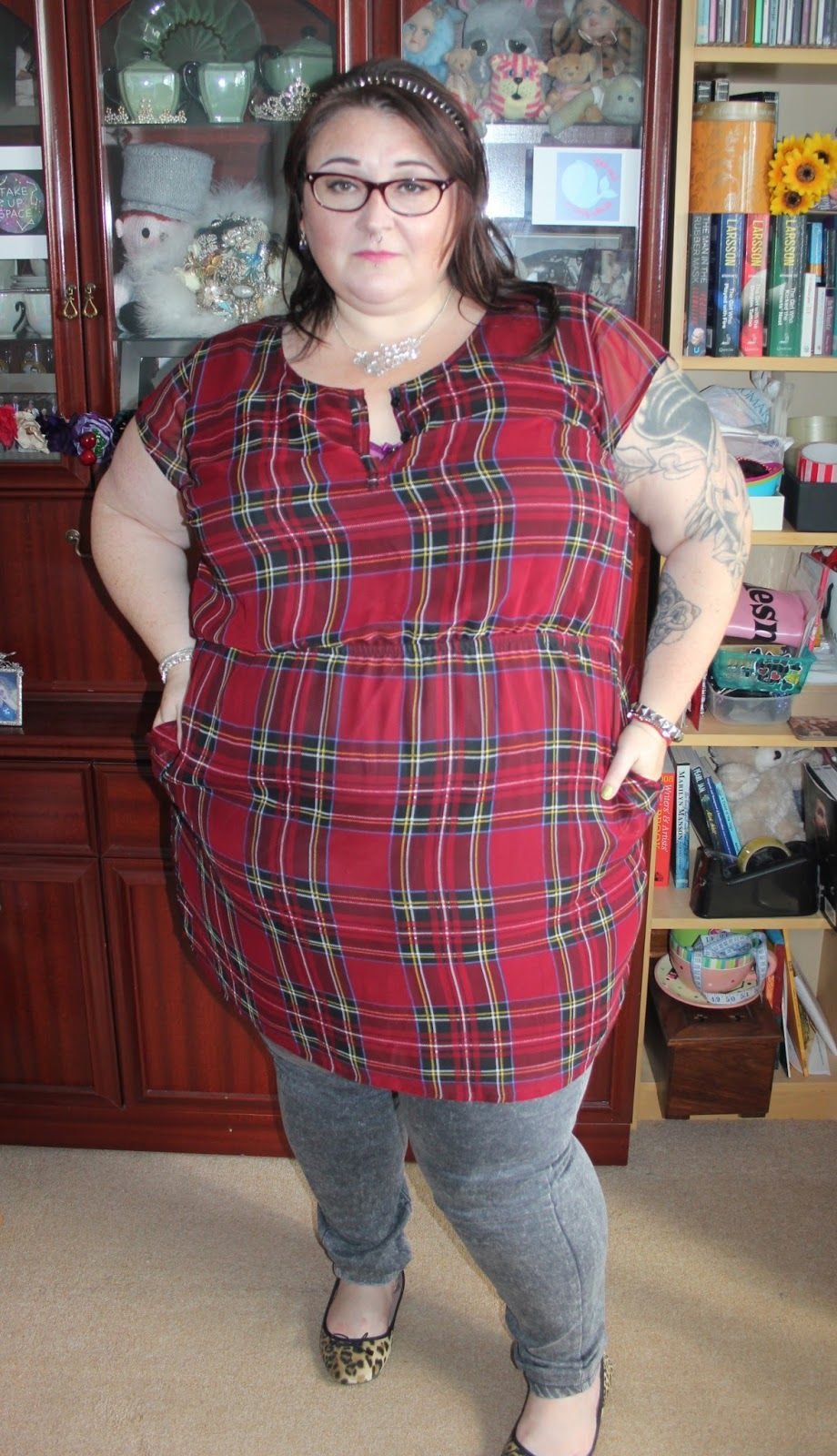 Plus size tartan dress. http://www.justmeleah.co.uk/2015/10/outfit ...