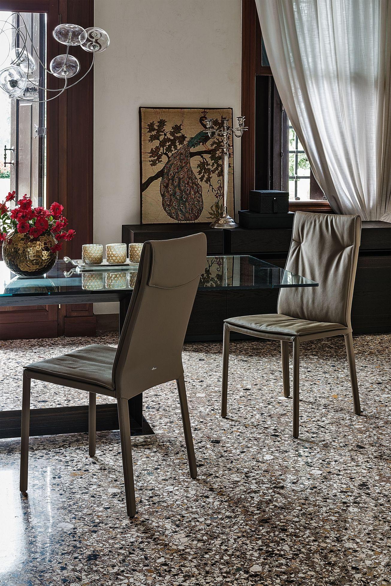 The Agatha Flex dining chair from IQ