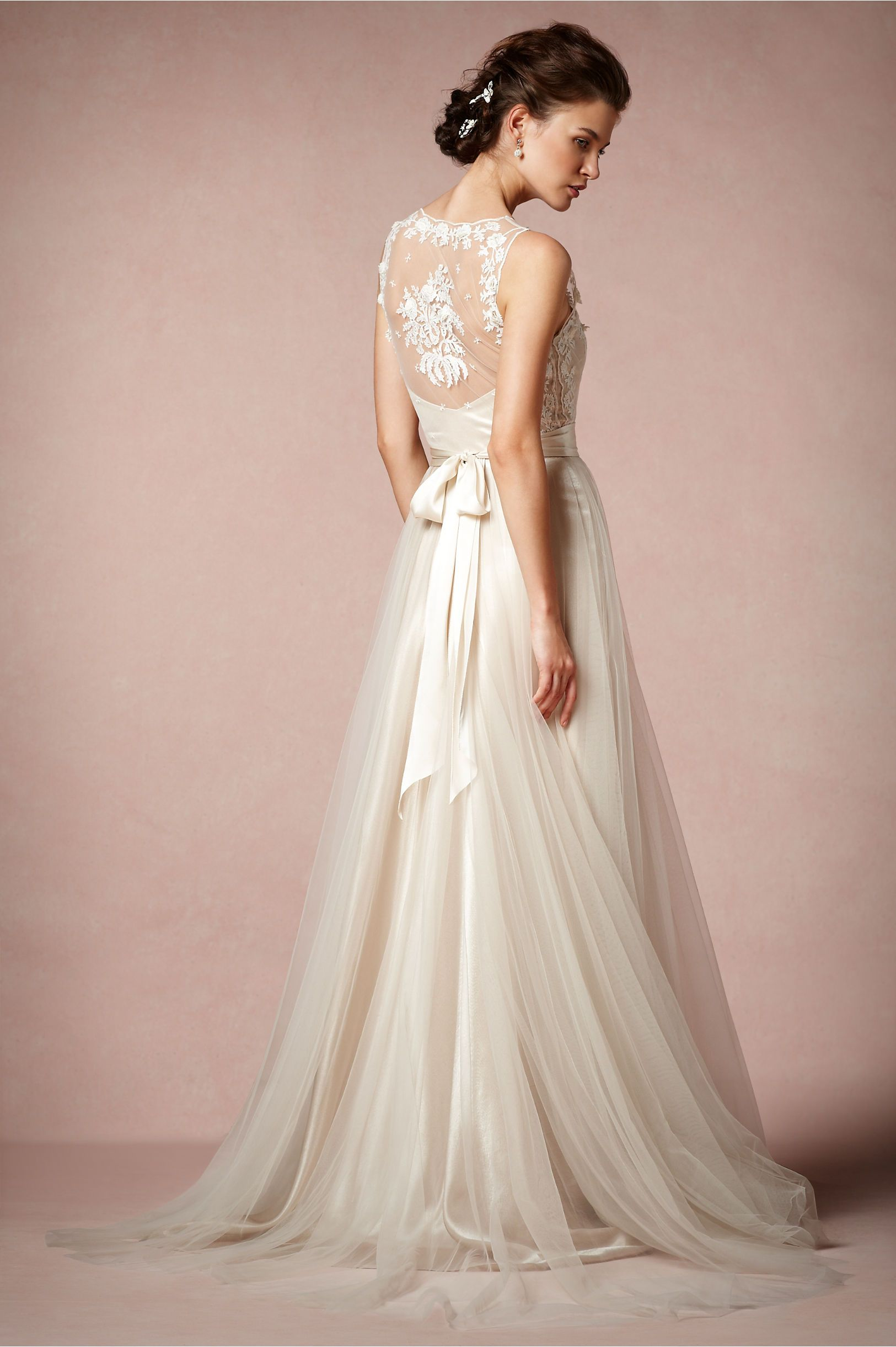 The most beautiful, floral-lace wedding gown ever! #FlowerShop Onyx ...