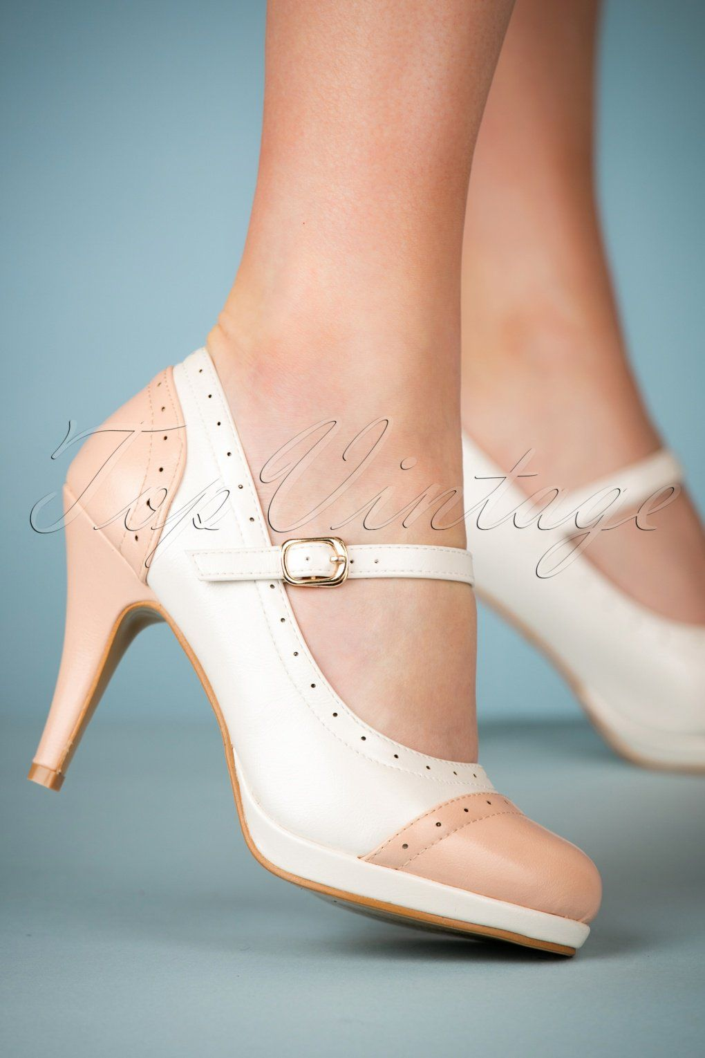d1e23f24d3c68 Treat yourself with these deliciously looking 50s Sabine High Heeled Pumps  in White!We