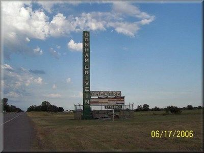 Bonham Drive In Theatre Bonham Texas Abandoned Drive In Movie Drive In Movie Theater Drive In Theater