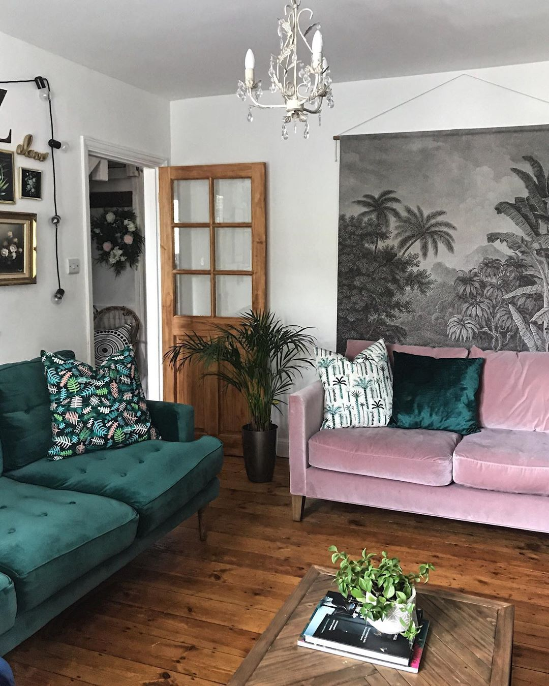 Pink Living Room Design: Pink And Green Velvet Sofas In The Living Room, With