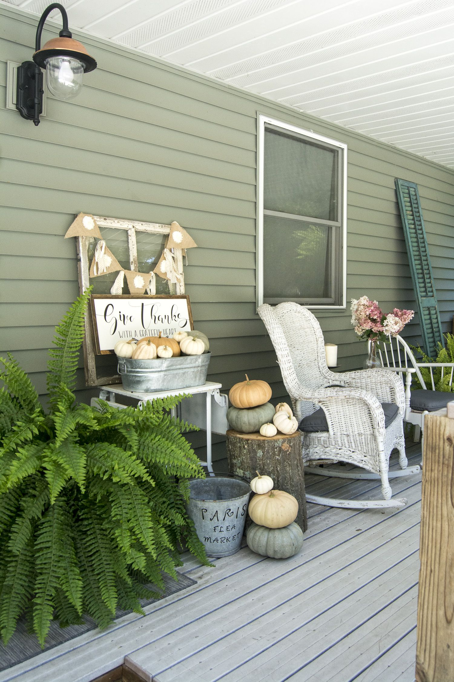 Beautiful Fall Front Porch: Letu0027s Sit Awhile