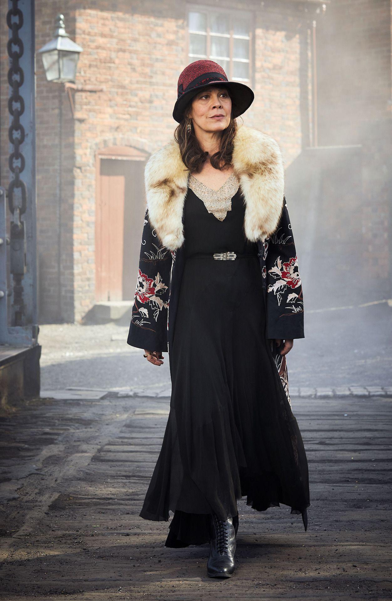 Helen McCrory as Aunt Polly in Peaky Blinders S4 (photos ...
