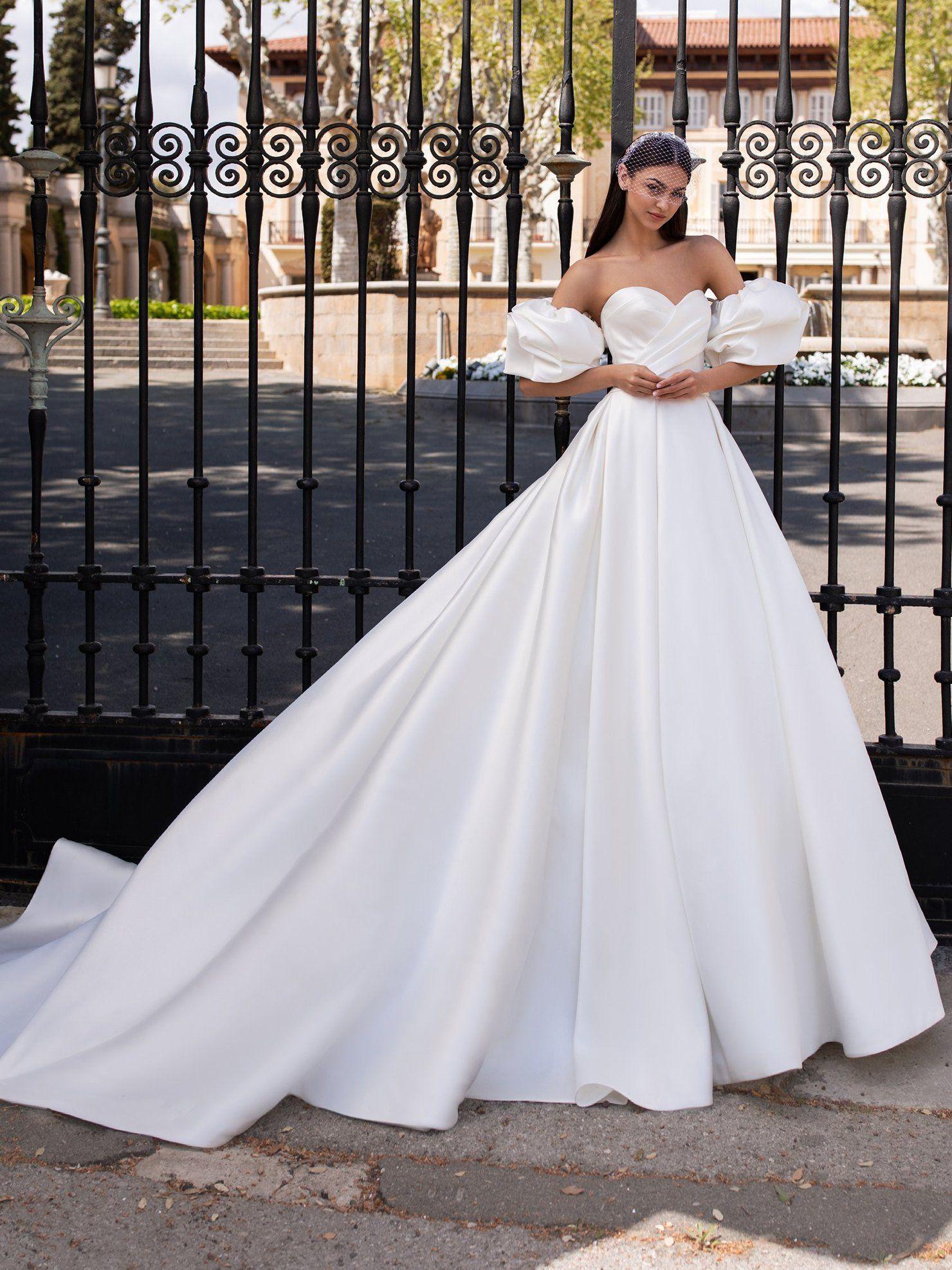 Princess Gown Pronovias Wedding Dress Wedding Dresses Romantic Princess Wedding Dresses