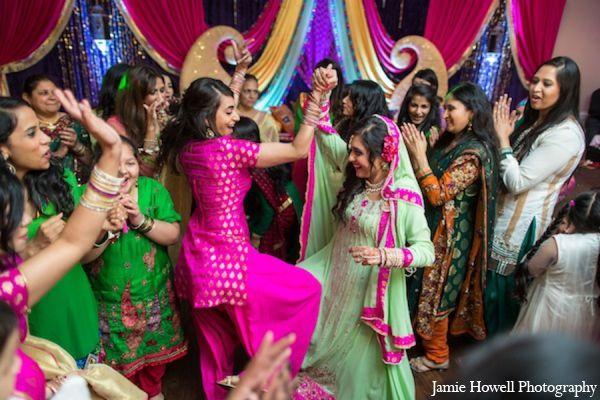 Mehndi Party Chicago : Traditional mehndi party http maharaniweddings