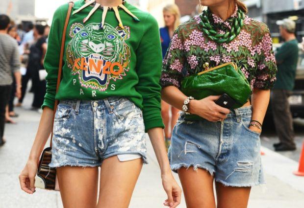 Street Style #emerald #pantone #fashioninspiration #mjtrimming