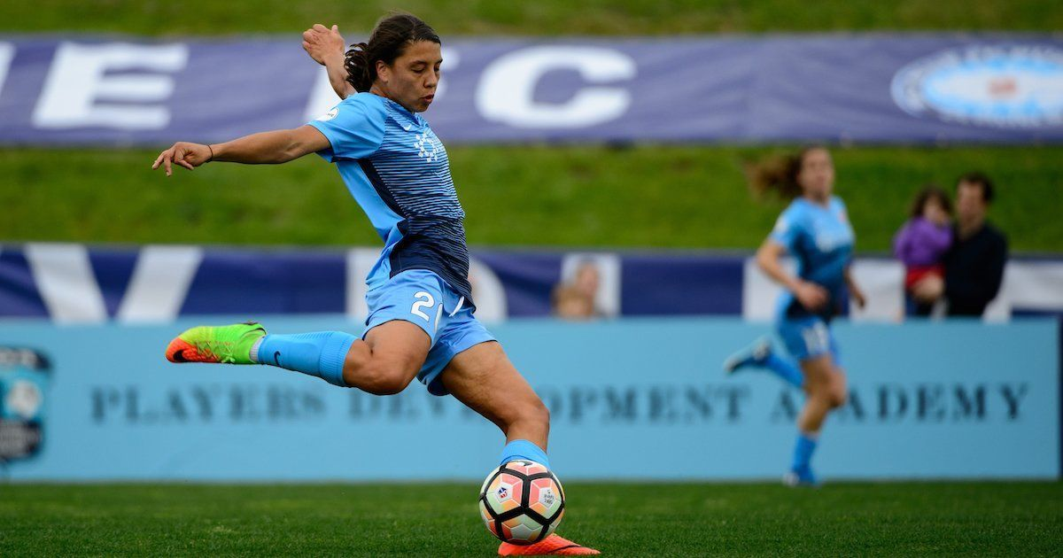 Pin On Soccer Late Hat Trick From Sam Kerr Doubles Delight Of Historic Night For Sky Blue