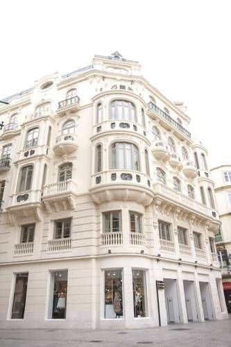 Malaga Center Flat Luxury M�laga Set 200 metres from Calle Larios in M?laga, this apartment features a terrace. Malaga Center Flat Luxury features views of the city and is 200 metres from Carmen Thyssen Museum. Free WiFi is offered throughout the property.