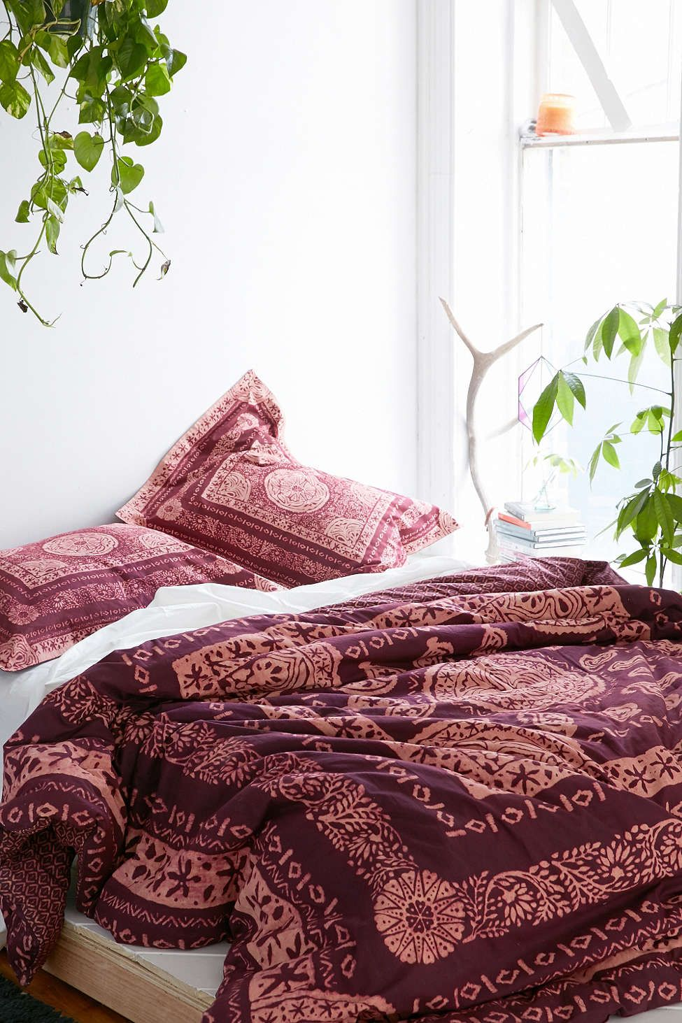 Magical Thinking Kami Woodblock Comforter With Images Burgundy