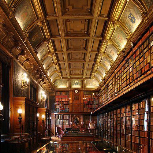 Library, Château de Chantilly, France
