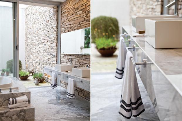 Un ba o para dos toallero carrara y ba o - Bano marmol carrara ...