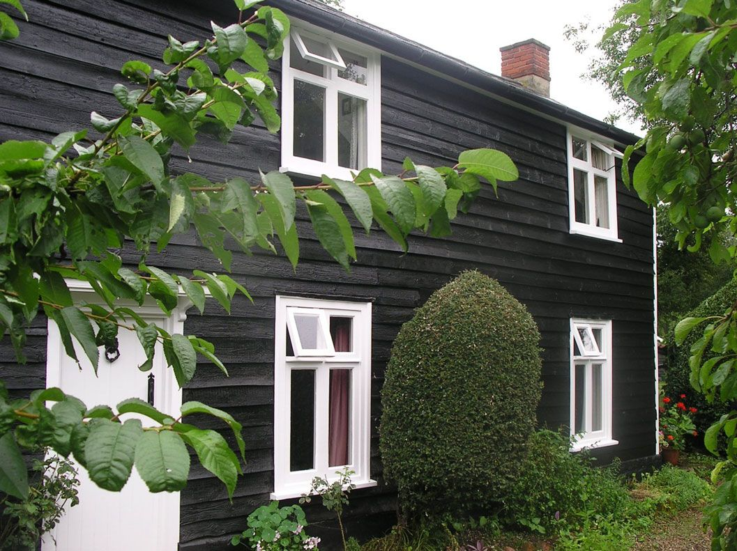 Painting And Decorating Example Of Work Request A Quote Now Weatherboard House Black Barn Weatherboard Exterior