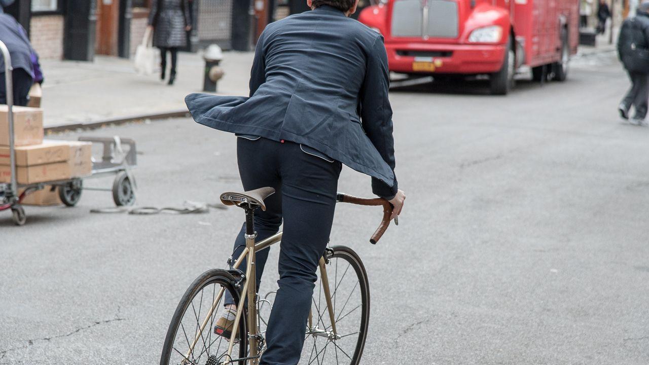 Image Result For Suit Bike Commute Bici