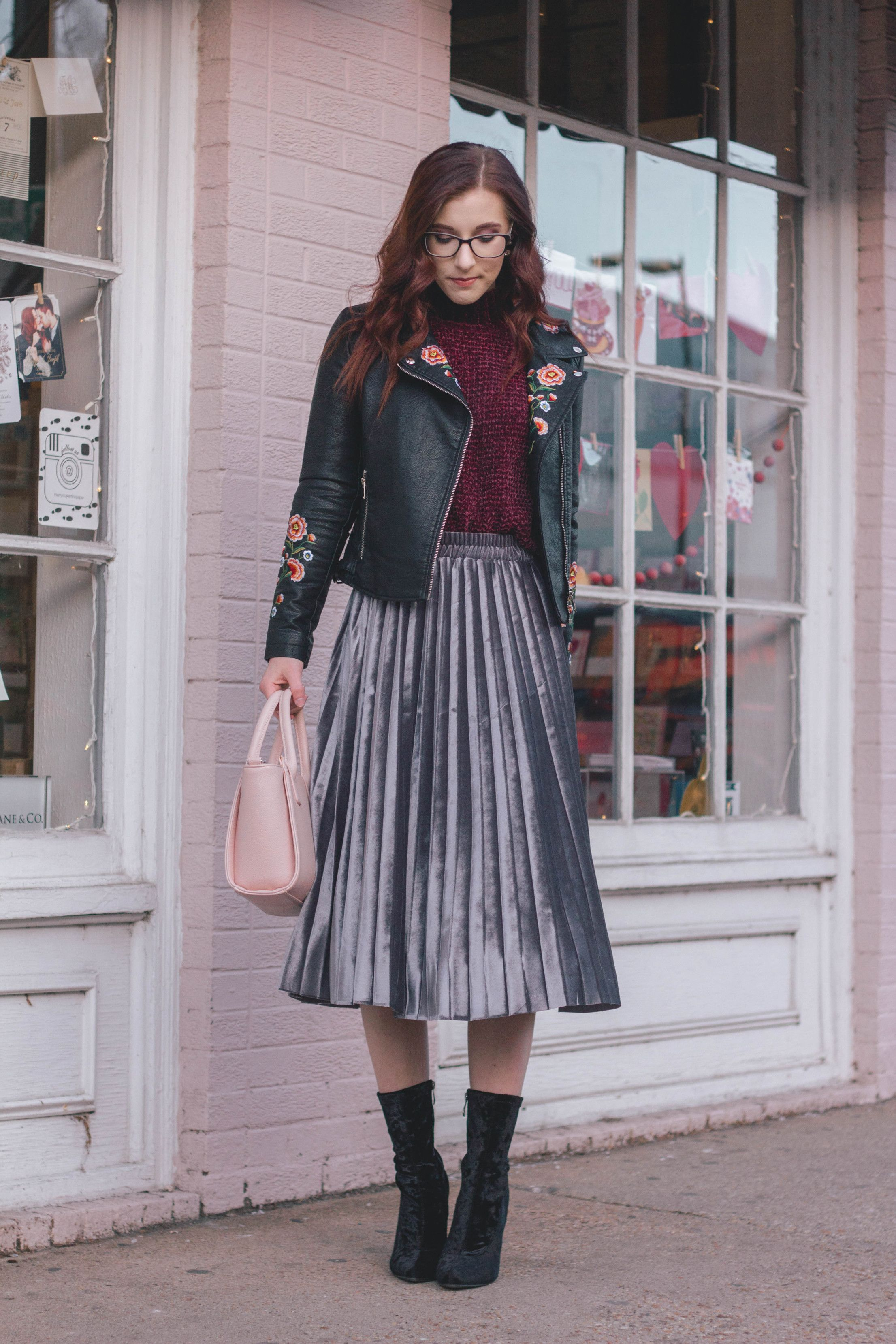 31e4287858 2 Stand-Out Ways to Wear a Pleated Midi Skirt This Winter Midi Skirt Outfit