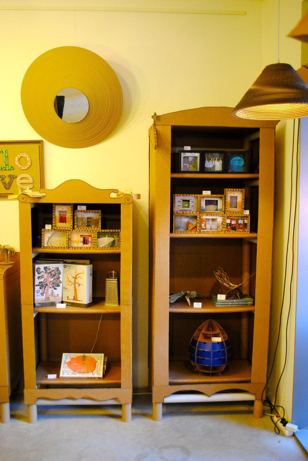 muebles expositores para tienda realizados con mandriles y