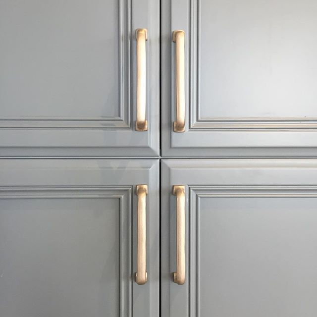 Gorgeous Palette Grey And Gold Sun Valley Bronze S1 Finish Bronze Cabinet Pulls Sun Valley Bronze Chilmark Grey And Gold