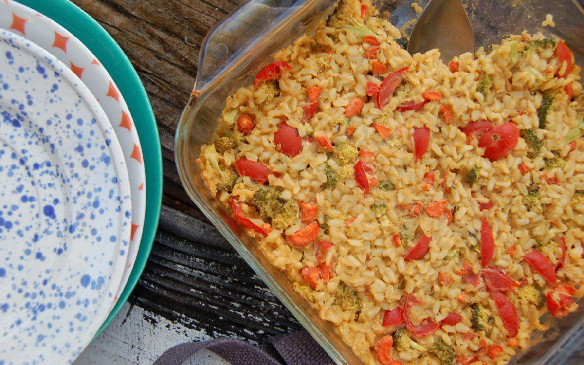 <p>This savory casserole will definitely be a winner in your weeknight recipe rotation. Hearty seasoned brown rice is baked with broccoli and other veggies to create a dish that's flavorful, filling, and easy to make. </p>