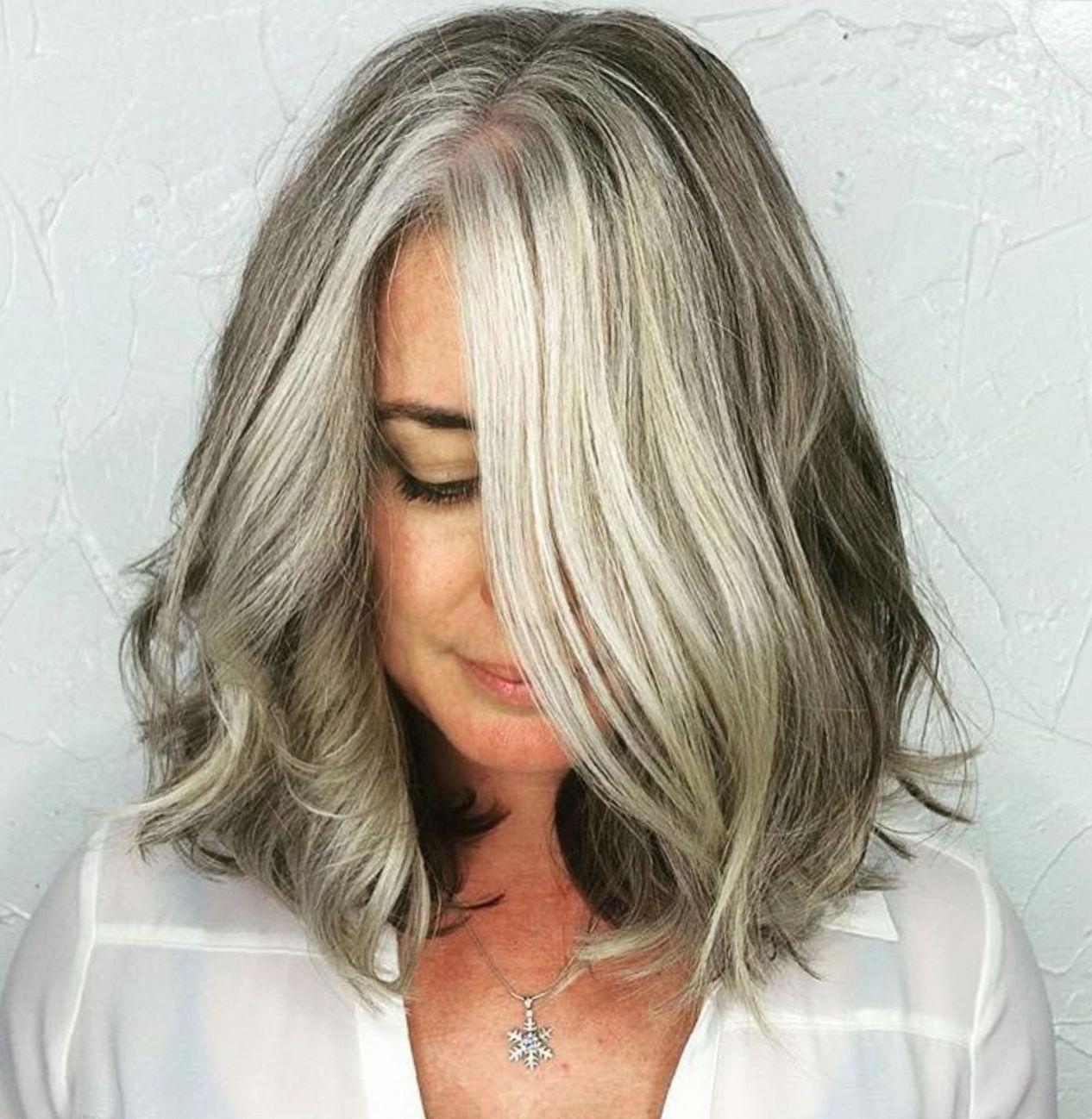 Shoulder Length Gray Wavy Bob Shoulderlengthhaircuts Thick Hair Styles Gray Balayage Gorgeous Gray Hair